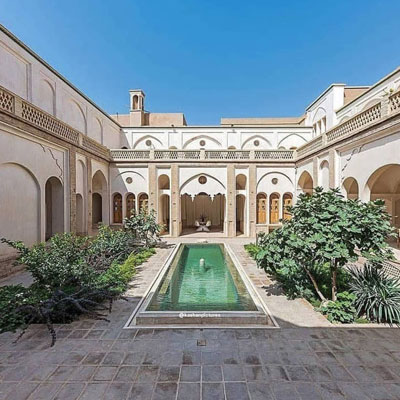خانه سعادت کاشان یا موزه خاتم خانهای تاریخی مربوط به دوره قاجار