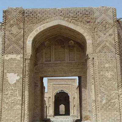 کاروانسرای رباط شرف، موزهای از آجرکاری ایرانی با سبک رازی