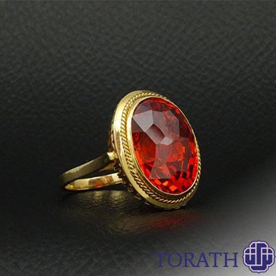 توپاز امپریال قرمز از نادرترین انواع توپاز است که وضوح بالایی دارد.