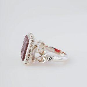 رکاب دستساز نقره، مدل صفوی با طرح دوشاخ (هنر استاد اسکندری) به همراه 20 عدد الماس اصل در بدنه رکاب